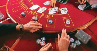 What Are The Pros And Cons Of Playing Online Casino