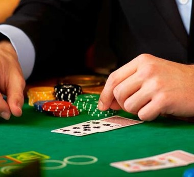 Getting Rewards And Welcome Bonuses By Joining Various Casino Games Online